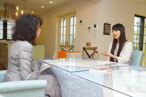 石黒彩さん(右)とELE HOUSE代表 山崎恵美子